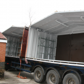 Building sections on the lorry